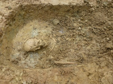 2nd human burial, female nr Wick Barrow 11 oct