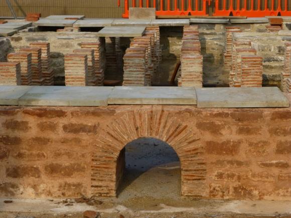 Roman didning room furnace