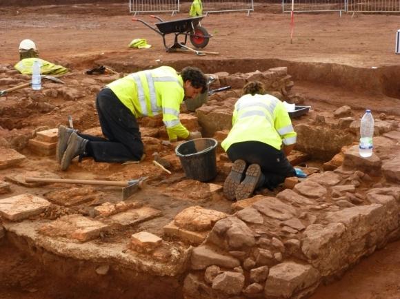 Excavating the Roman villa on the Cannington by pass